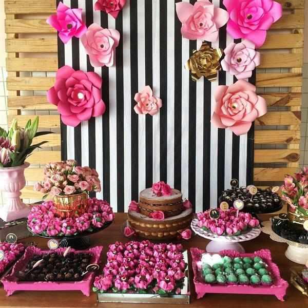 aniversario 20 anos preto branco e rosa