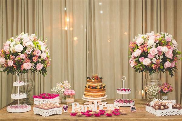 decoração de aniversario simples com flores