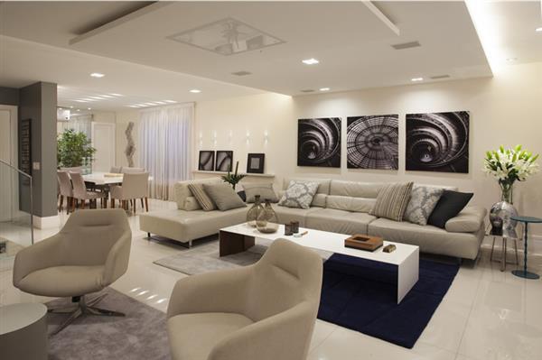 sala com sofa grande
