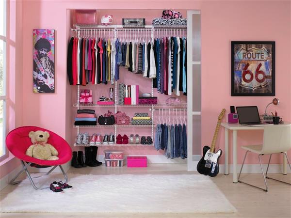 closet aberto para quarto pequeno