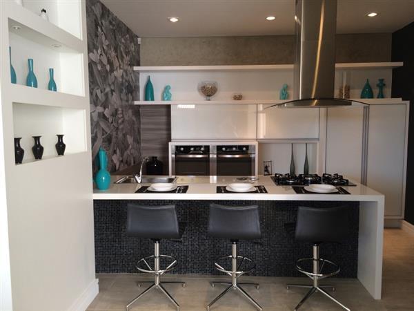 cozinha gourmet em preto e branco