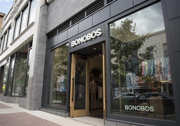 fachadas de lojas com vidro