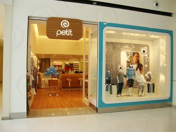 fachadas de lojas de roupas infantis