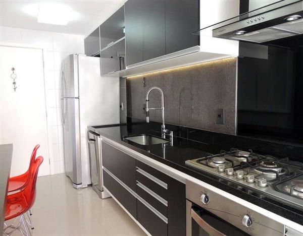 fotos de cozinhas pretas
