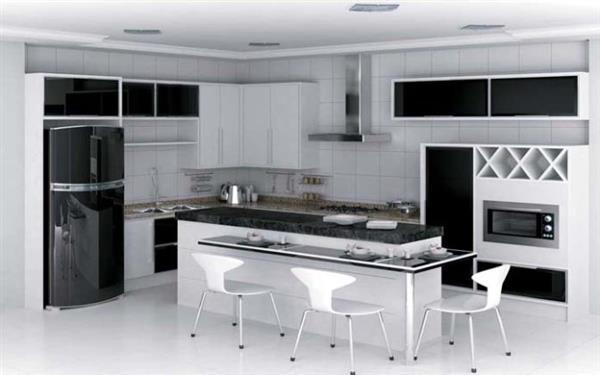 cozinha com bancada preta