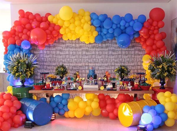 Arco de balões com 3 cores