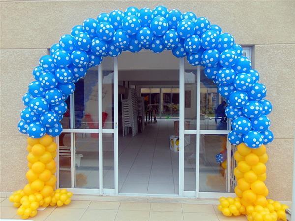 Arco de bexiga para festa de aniversário