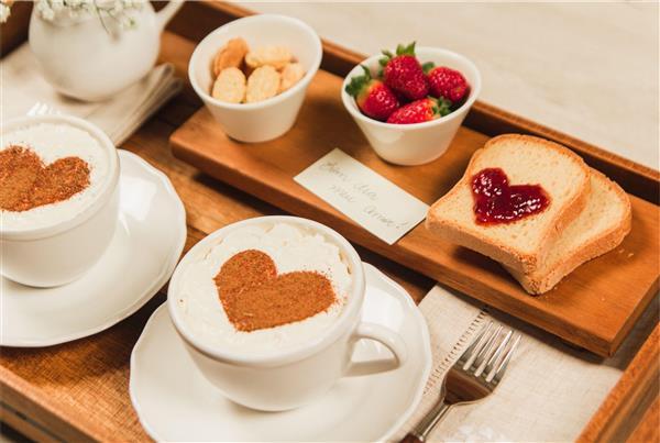 Decoração do Dia dos Namorados para o café da manhã