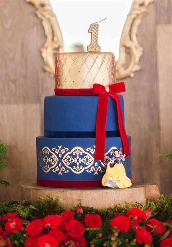 bolo de aniversario branca de neve