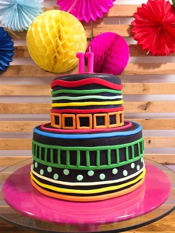 bolo neon 2 andares colorido