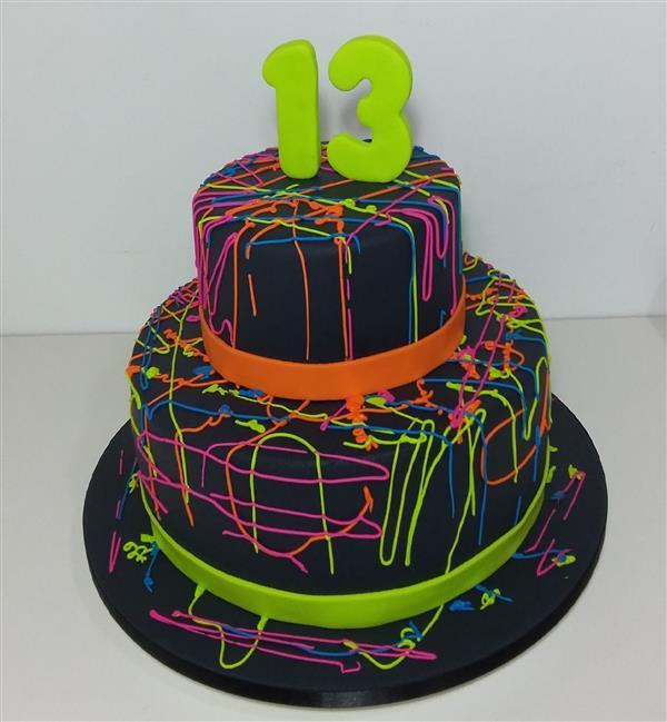 bolo de festa neon