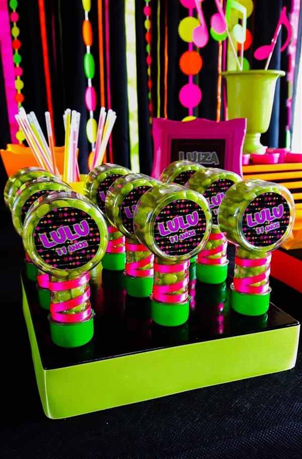lembrancinhas de festa neon