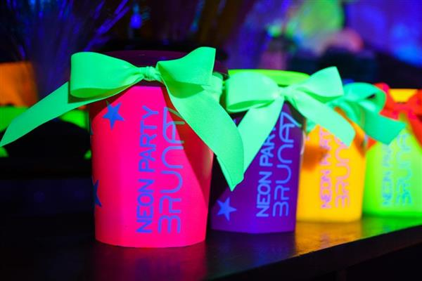 copo neon para lembrancinha