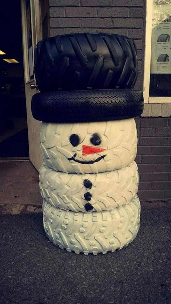 boneco de neve de pneu