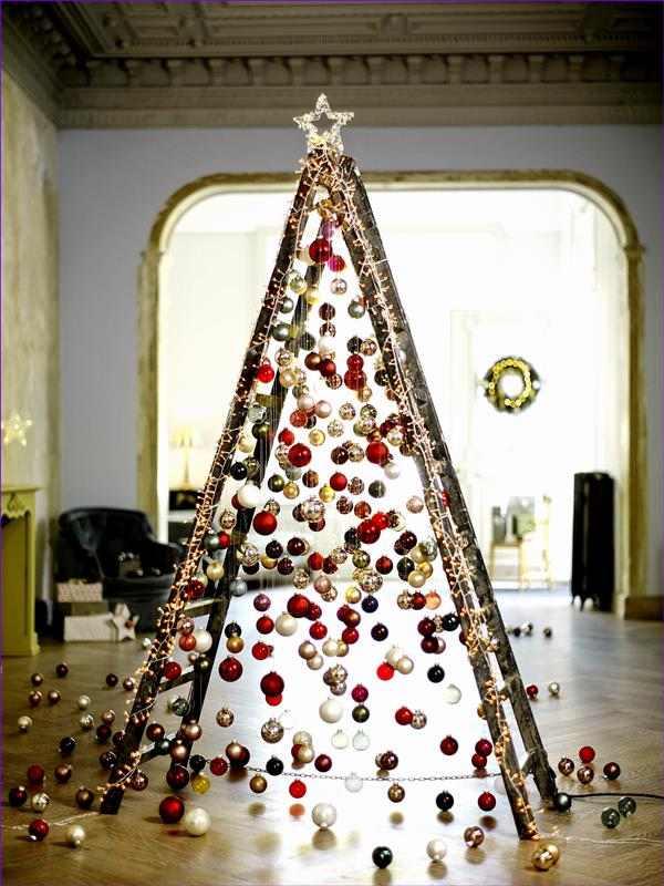 arvore de natal feita com escada