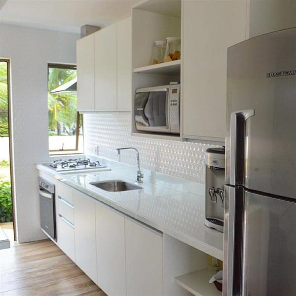 decoração-para-cozinha-compacta-branca