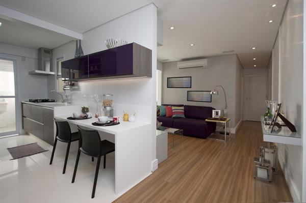 decoracao-cozinha-compacta-branca-com-armario