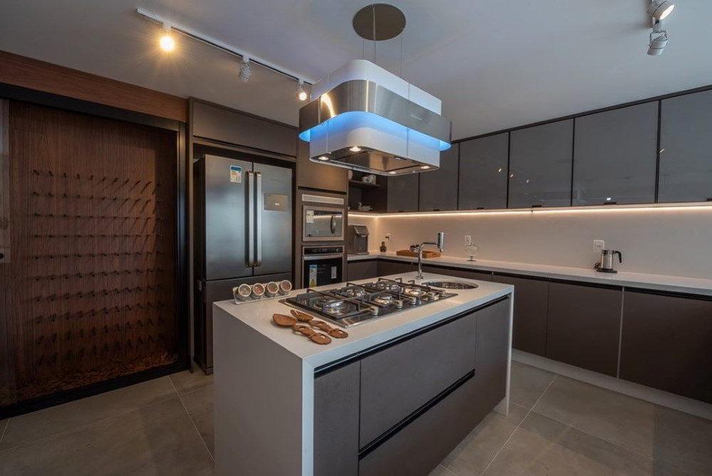 cozinha com ilha centralizada
