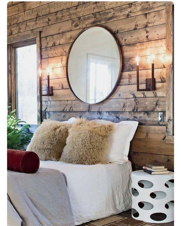 parede de madeira na cama