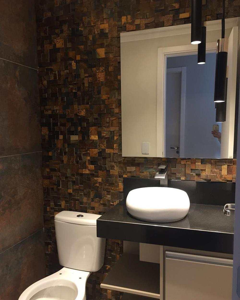pedra ferro no banheiro