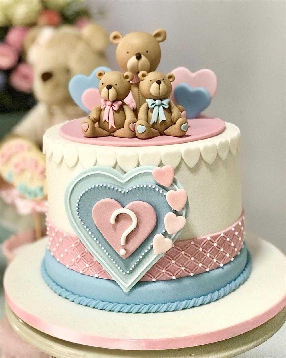 bolo decorado com pasta americana tema urso