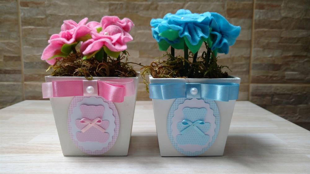 centro de mesa vasinho de flores de feltro