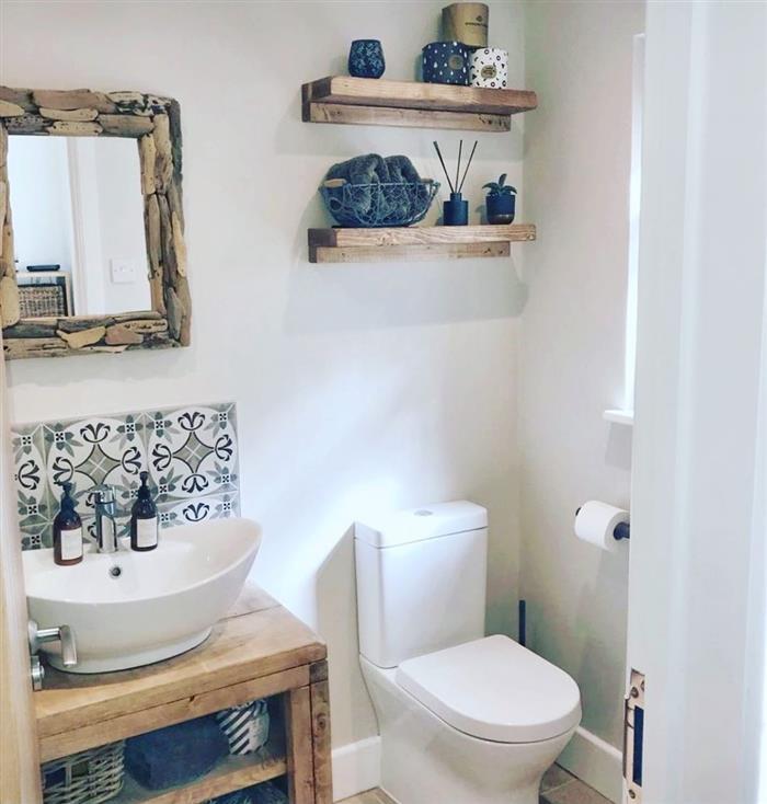 banheiro pequeno decorado rustico