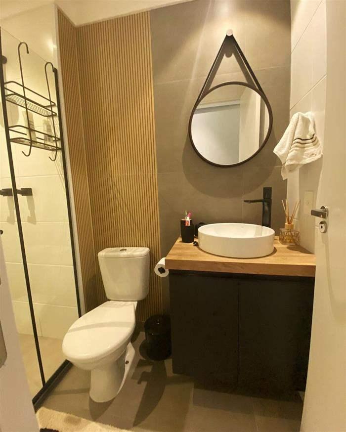 espelho adnet no banheiro
