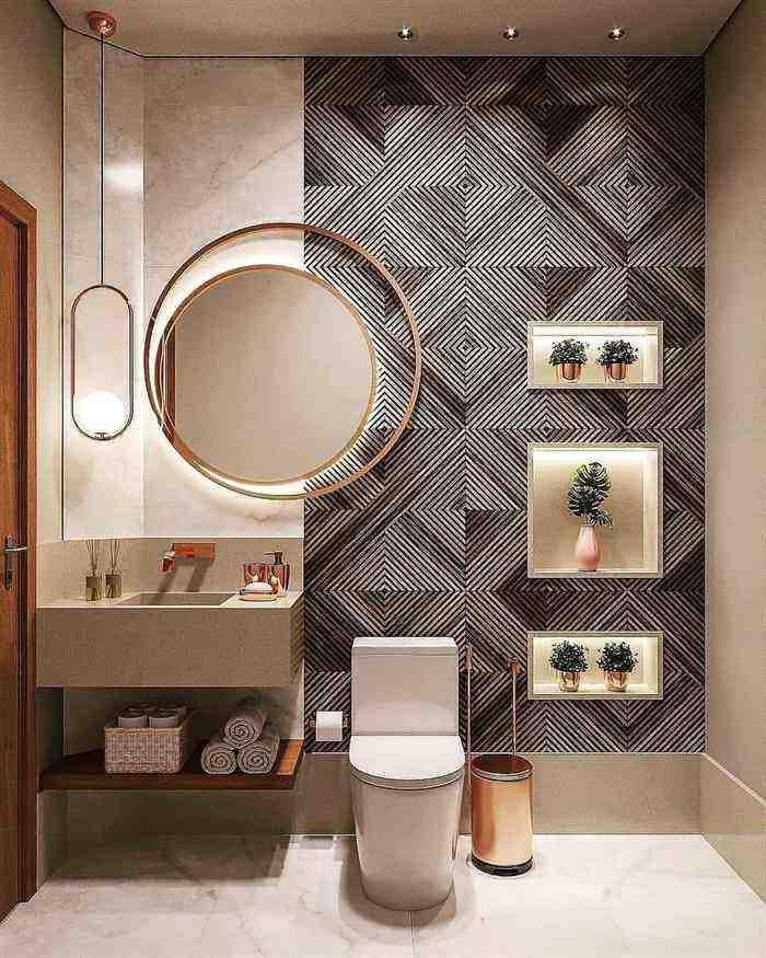 banheiro com piso listrado