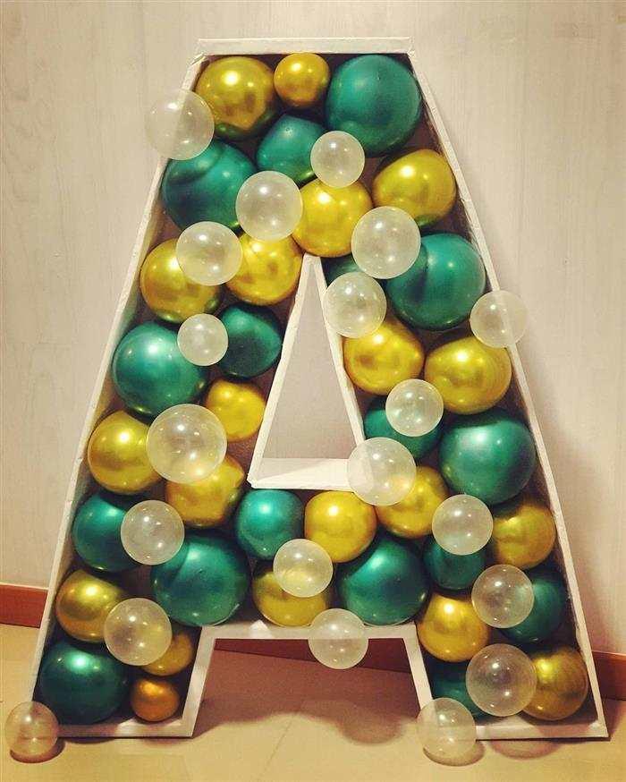 decoração com balões de letras