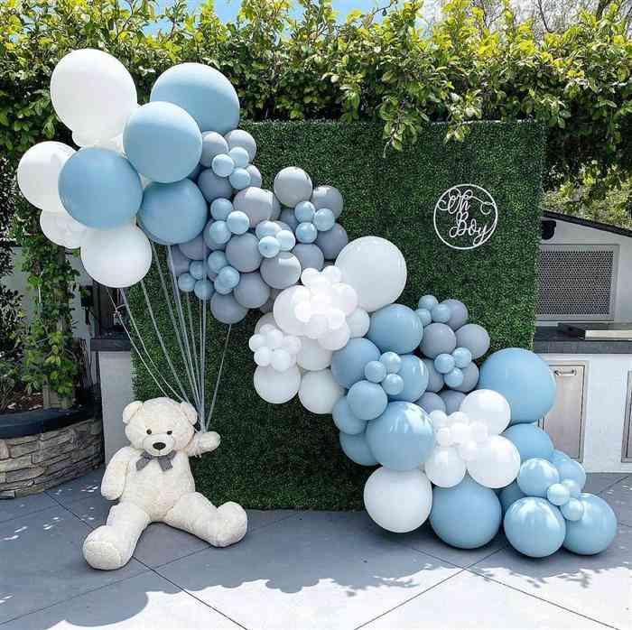 decoração com balões ao ar livre