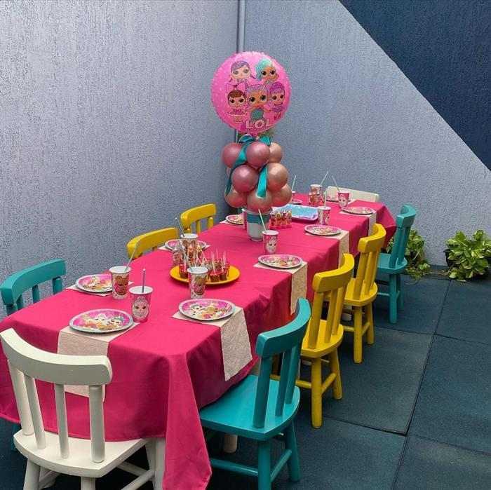 decoração com balões como centro de mesa